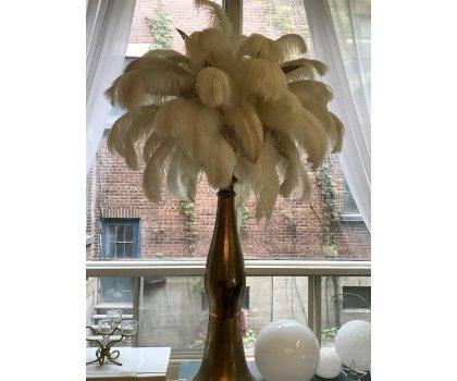 Centre de table rétro en plumes blanc et or - style Gatsby